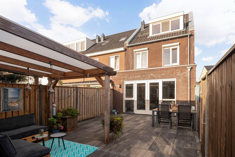 Bekijk foto 4 van Toon van Dijkstraat 18