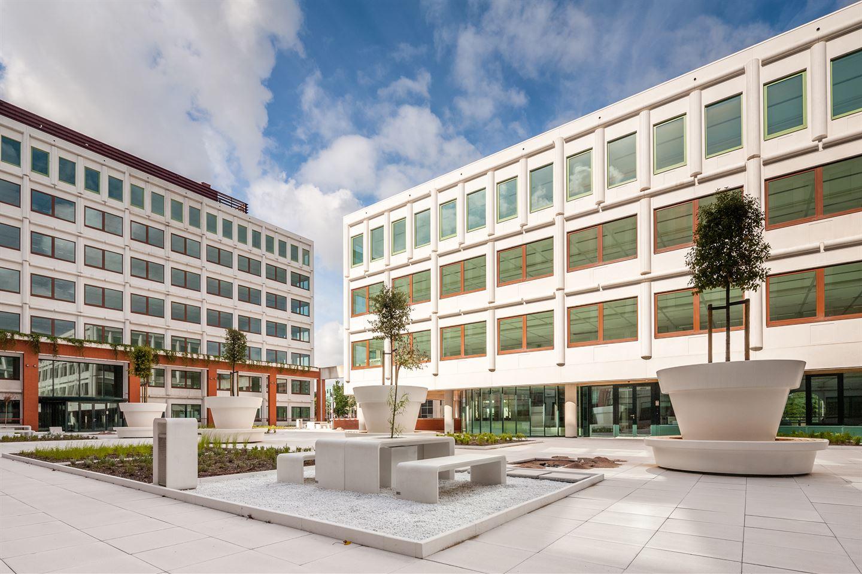 Bekijk foto 1 van Stroombaan 10-16