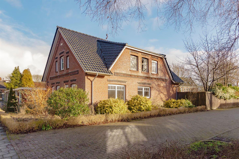 Bekijk foto 1 van van Delftstraat 38