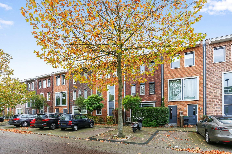 View photo 2 of Hugo de Vrieslaan 37