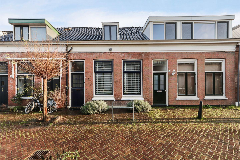 Bekijk foto 1 van Adriaan van Altenastraat 14