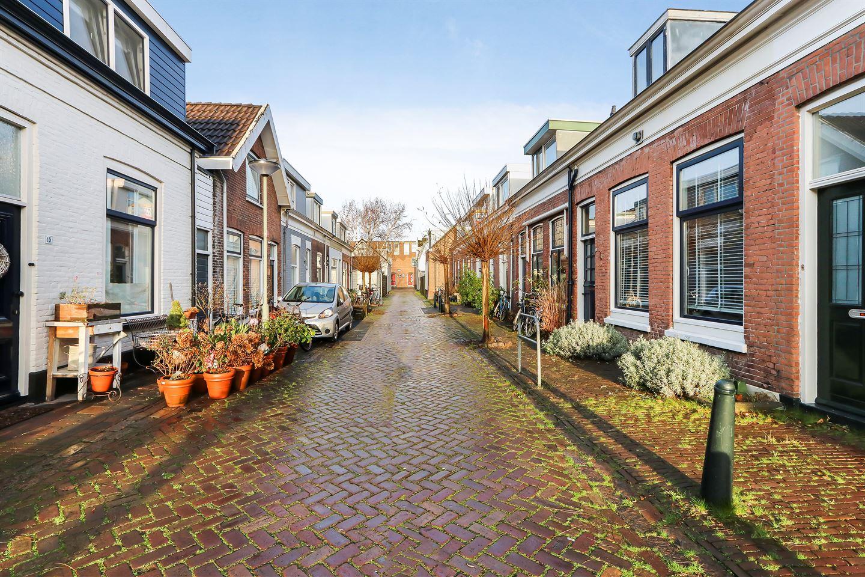 Bekijk foto 2 van Adriaan van Altenastraat 14