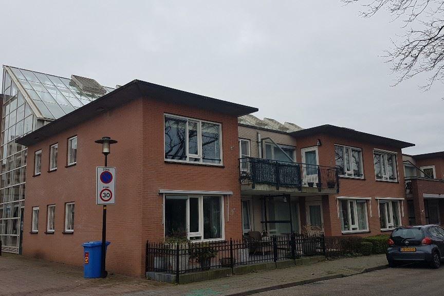 Bekijk foto 1 van Raadhuisplein 49