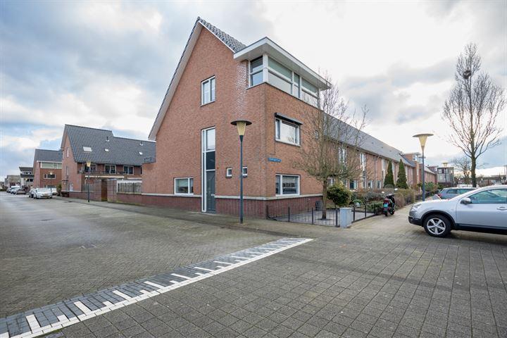 Hoogvlietstraat 3