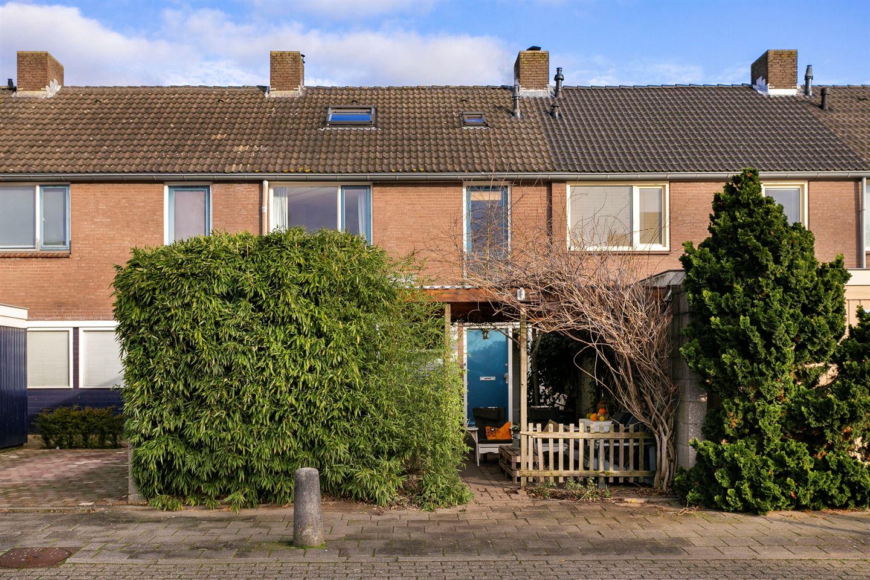 Bekijk foto 1 van Delfzijlstraat 39