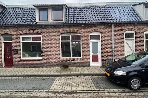 Oranjestraat 13