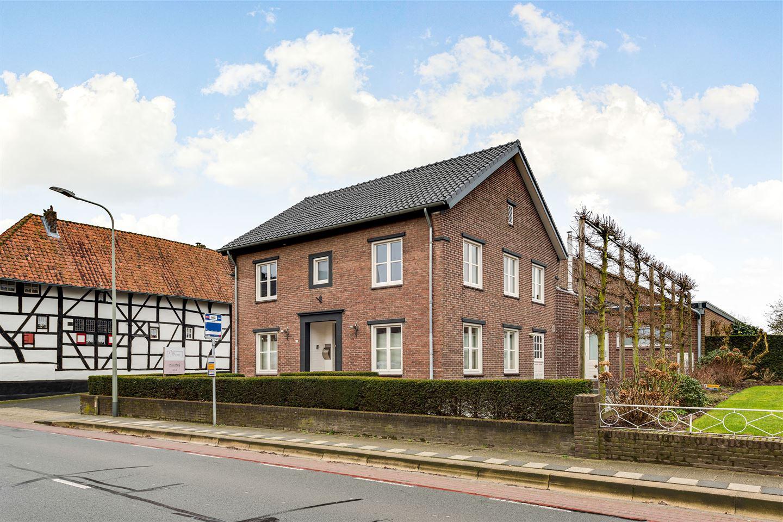 View photo 2 of Kerkweg 155