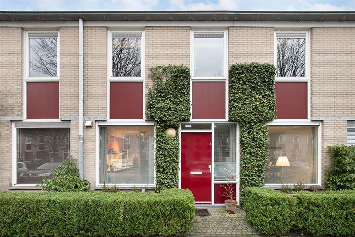 J.M. den Uylstraat 24