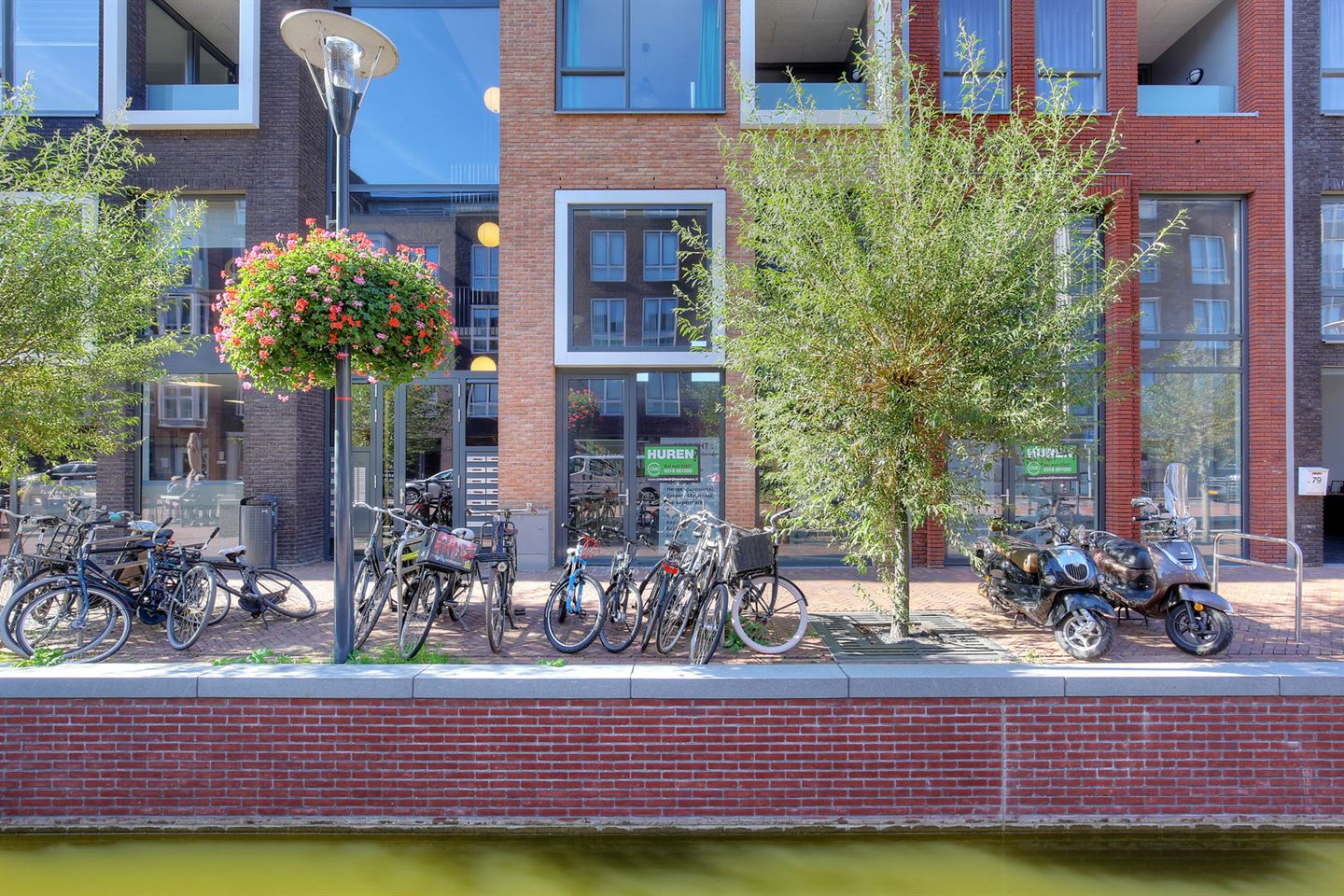 View photo 2 of Brouwersgracht 75