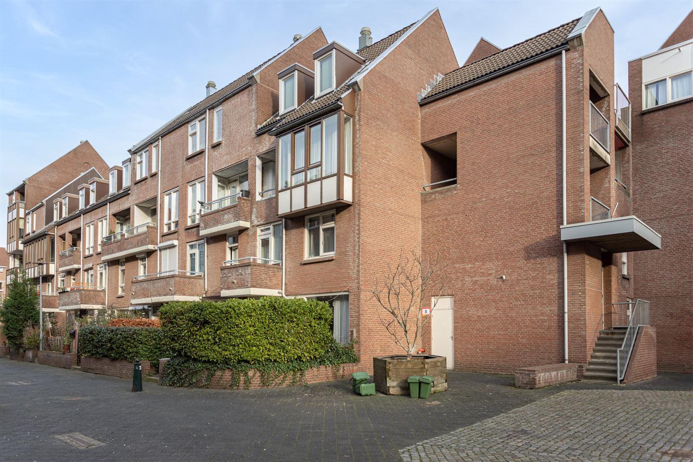 Bekijk foto 1 van Hoogbeeltplein 145