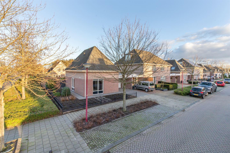 Bekijk foto 1 van van Oosterhoutstraat 30