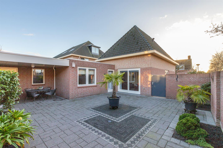Bekijk foto 3 van van Oosterhoutstraat 30
