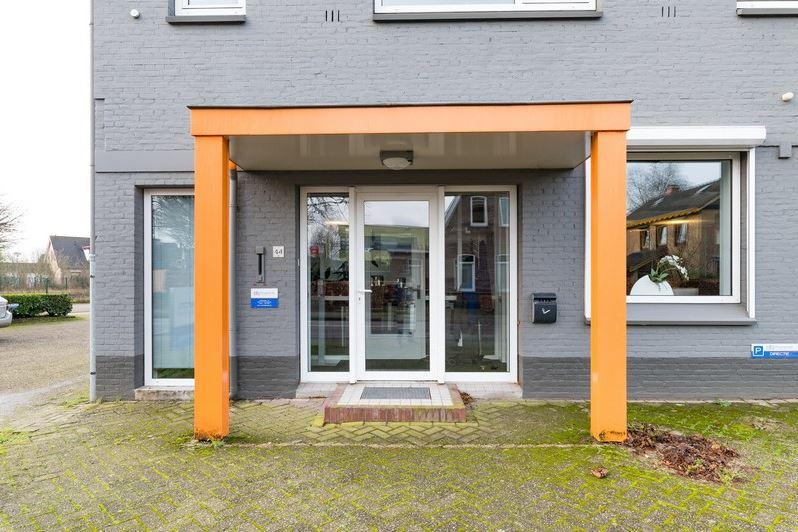 Bekijk foto 4 van Julianaplein 44