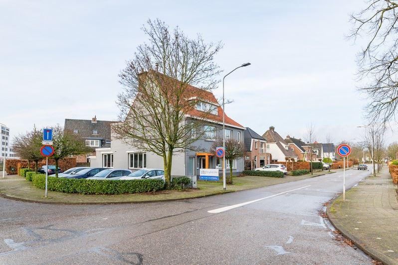 Bekijk foto 5 van Julianaplein 44