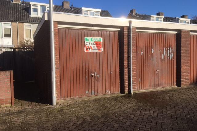Bekijk foto 1 van Hoveniersplein 15