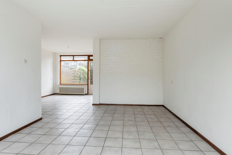 Bekijk foto 2 van Johan Vermeerstraat 6