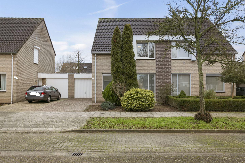 Bekijk foto 1 van Jan van Salmstraat 48