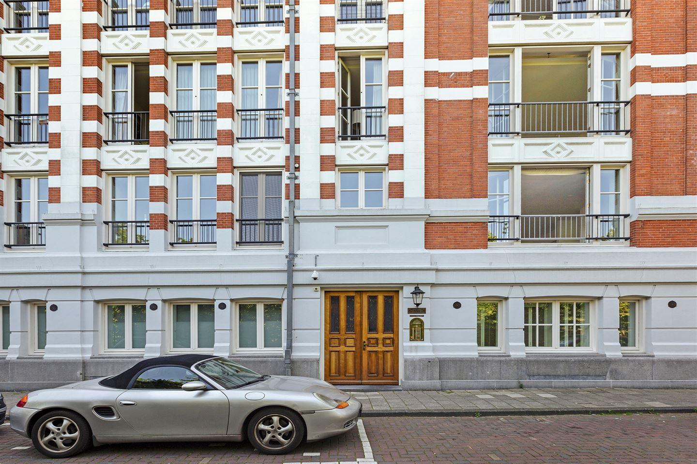 View photo 3 of Vossiusstraat 71