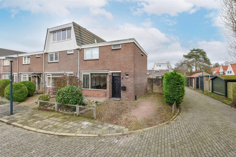 Bekijk foto 1 van Metselaarsstraat 12