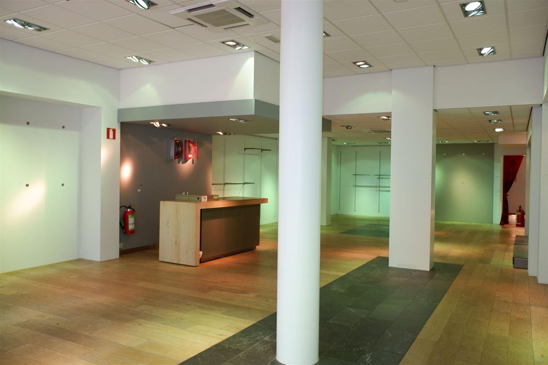 Bekijk foto 4 van Corridor 8 a