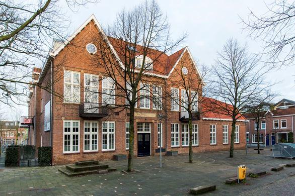 M.P. Lindostraat 4