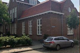 Bekijk foto 2 van M.P. Lindostraat 4