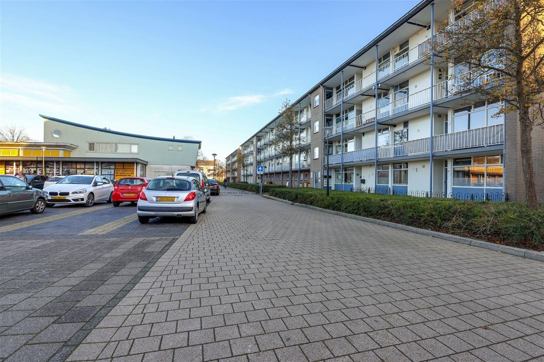 View photo 2 of Schubertplein 8