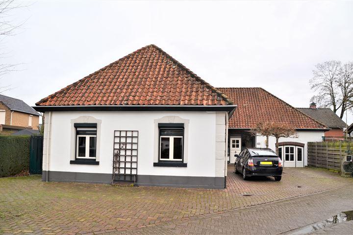 Spoorstraat 11