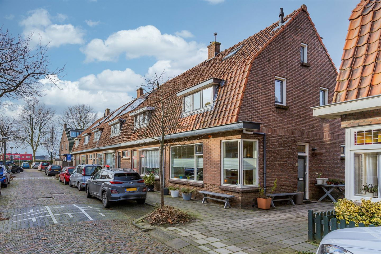 Bekijk foto 5 van Burgemeester Strick van Linschotenstraat 38