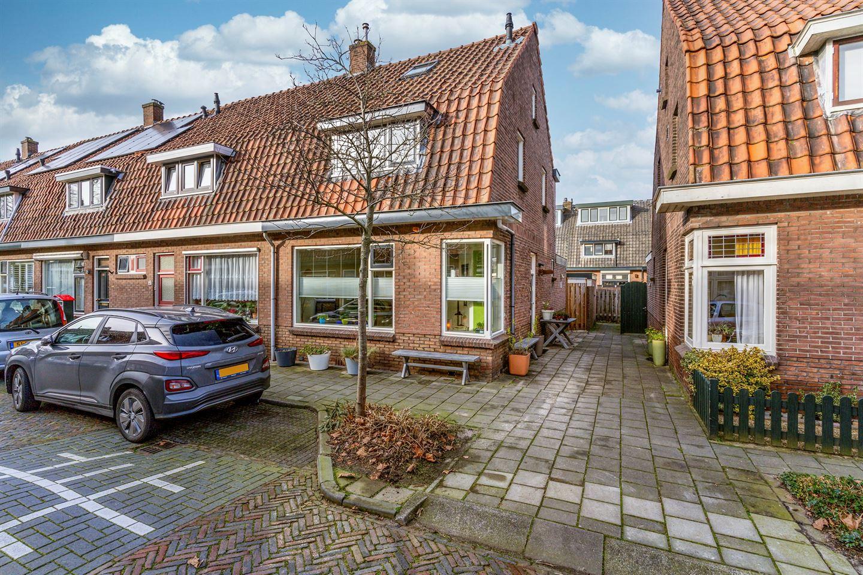 Bekijk foto 1 van Burgemeester Strick van Linschotenstraat 38