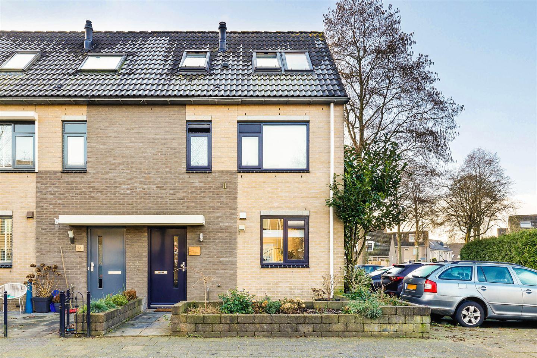 Bekijk foto 1 van Van Doesburgstraat 13