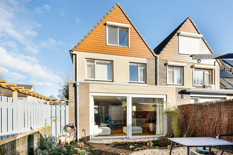 Bekijk foto 2 van Van Doesburgstraat 13
