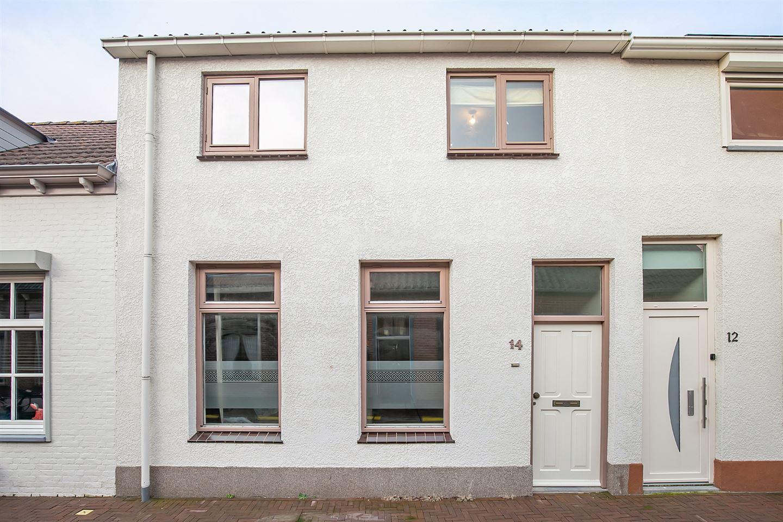 Bekijk foto 2 van Ravelijnstraat 14