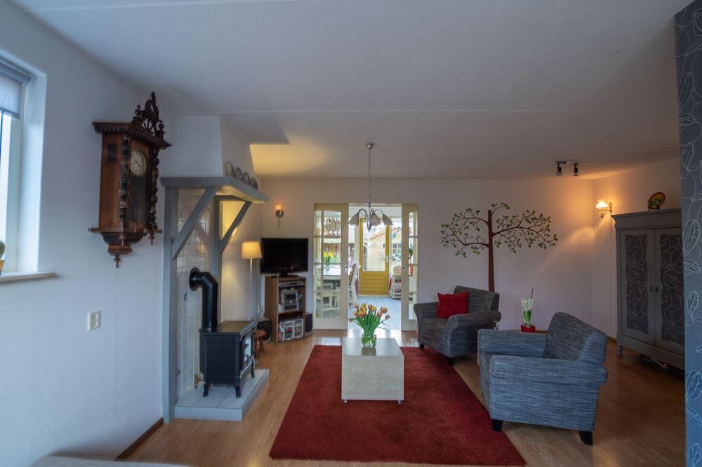 Bekijk foto 3 van Graaf van Groesbeekstraat 12