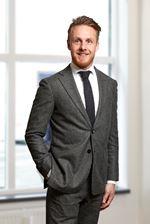 D. Dekker RT (NVM real estate agent)