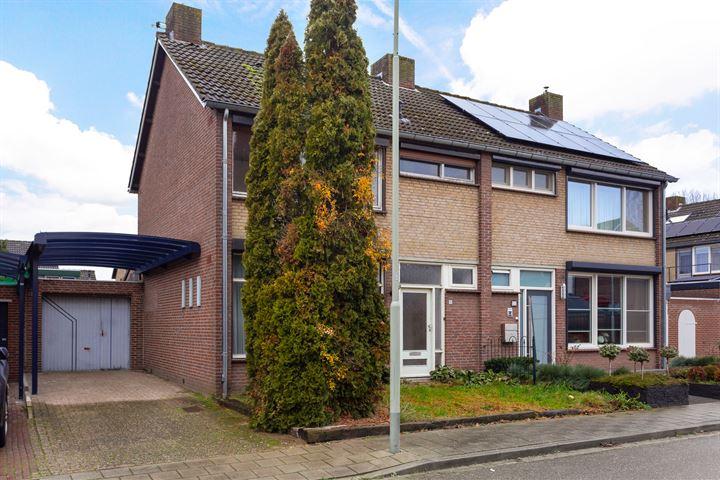 Pastoor Houbenstraat 9