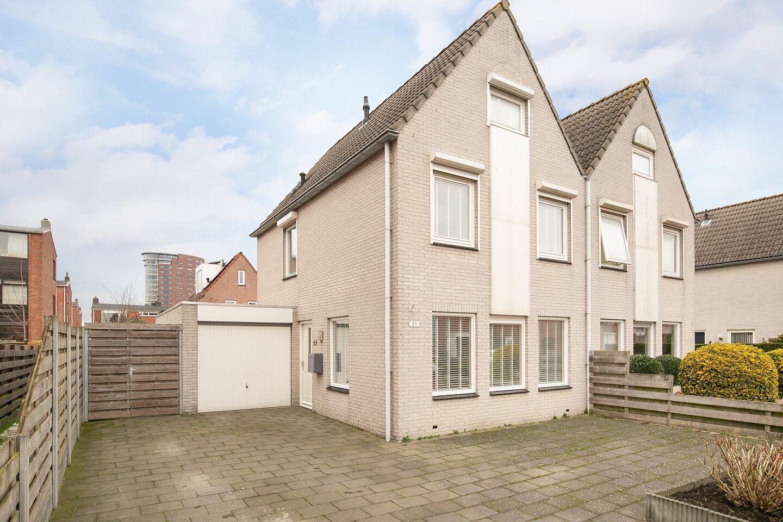 Bekijk foto 1 van Willem van de Veldelaan 25