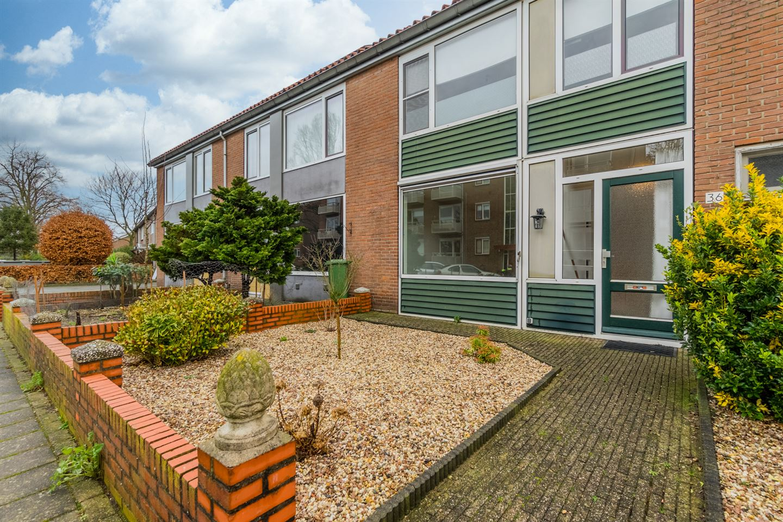 Bekijk foto 3 van De Ruyterstraat 36