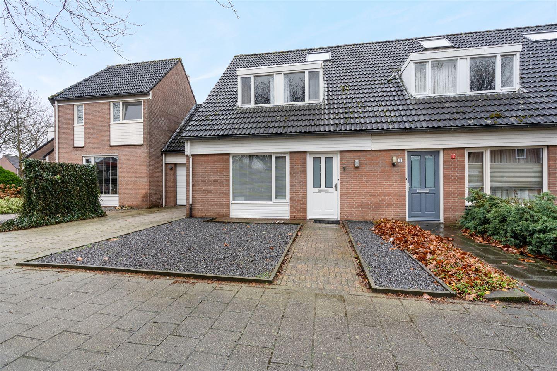 Bekijk foto 1 van Van Hogendorplaan 1
