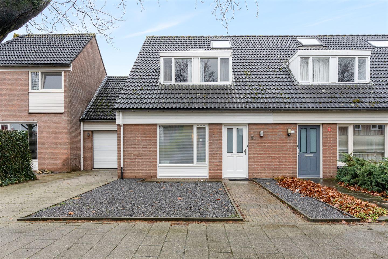 Bekijk foto 2 van Van Hogendorplaan 1