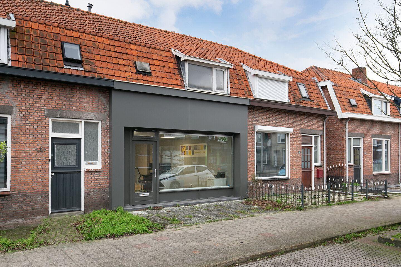 Bekijk foto 1 van Axelsestraat 119