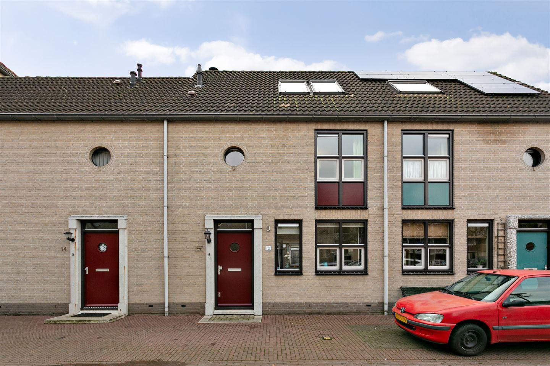 View photo 2 of Vestingstraat 12