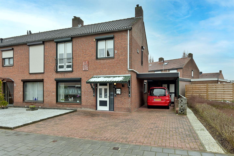 View photo 1 of Stadhouderstraat 39