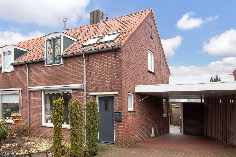 Bekijk foto 2 van Seringenstraat 2
