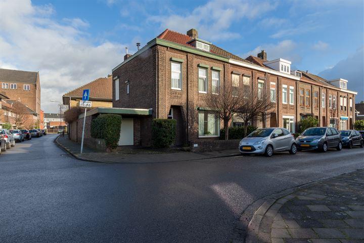 Pastoor Jacobsstraat 12