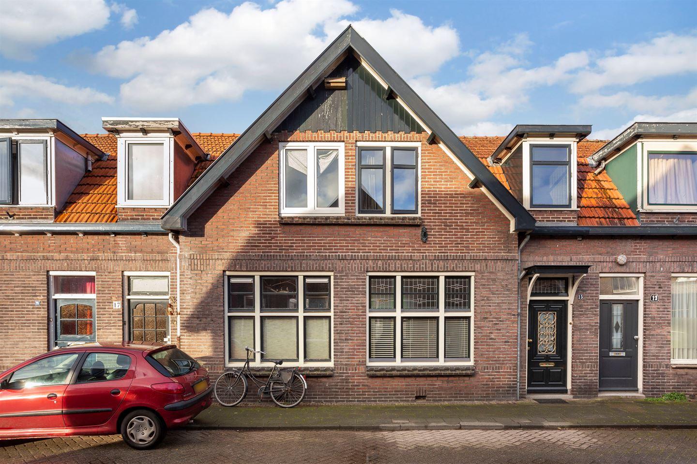 Bekijk foto 1 van Hulststraat 15