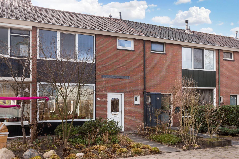 Bekijk foto 1 van Bruggertstraat 25