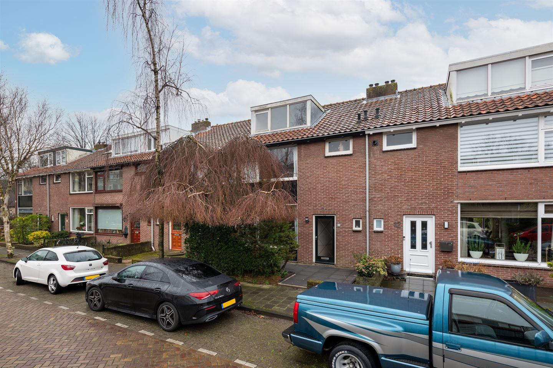 View photo 1 of Parelstraat 10