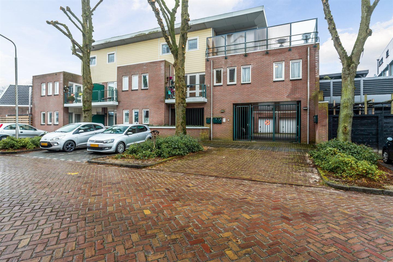 Bekijk foto 1 van Wilhelminaplein 17