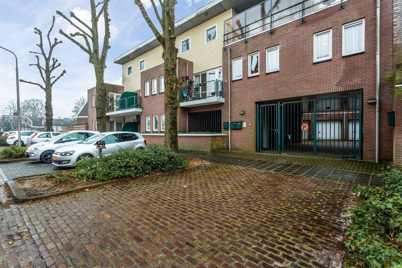 Bekijk foto 2 van Wilhelminaplein 17